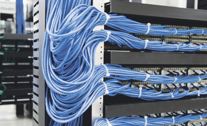 Blaue Serverkabel